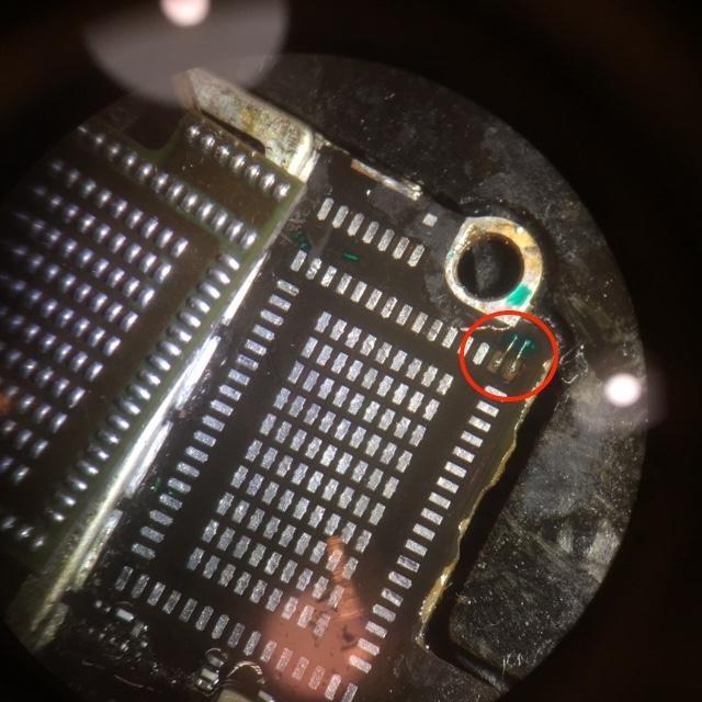 Renomowany serwis elektroniki - cienkie druty naprawiły połączenie
